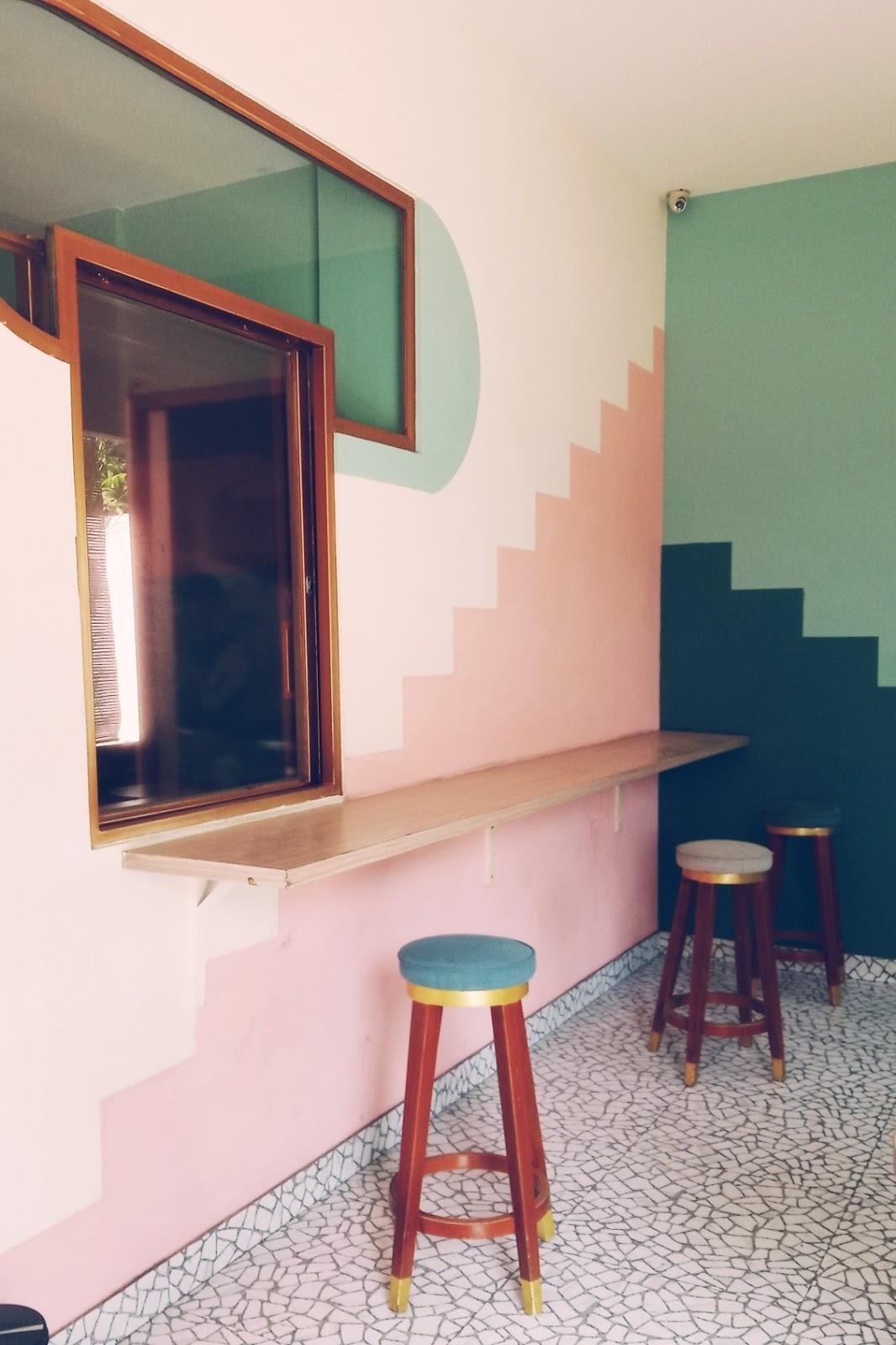 kafe serba pink di jakarta