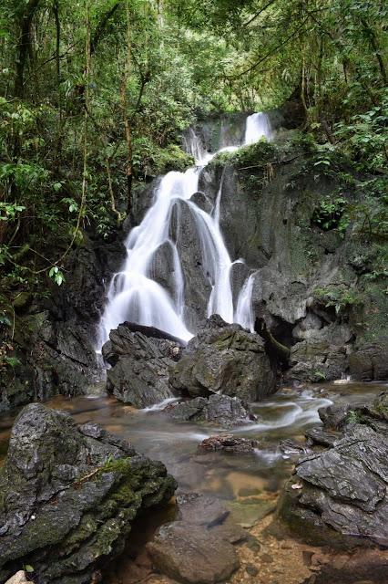 Caverna do Diabo e a Cachoeira do Araçá