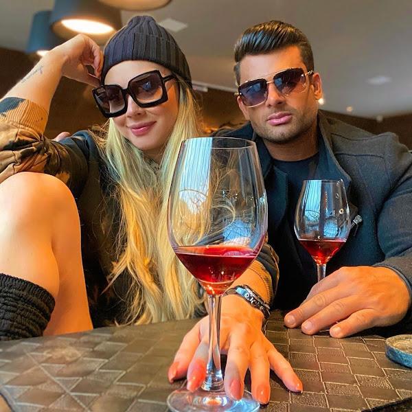 Juju Salimeni e Helisson Dias tomam vinho juntos durante feriado em Gramado. Foto: Arquivo pessoal