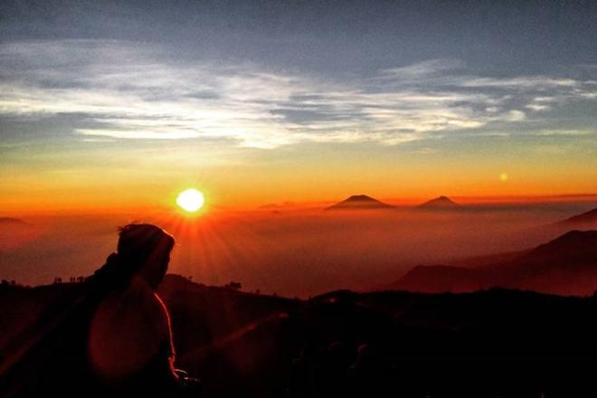 10 Tempat Terbaik Untuk Menikmati Sunrise Di Indonesia