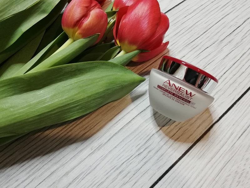 Avon Anew Reversalist Complete Renewal Day