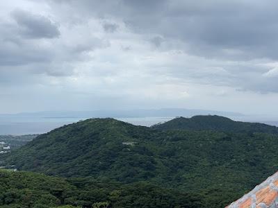 西表島の島影