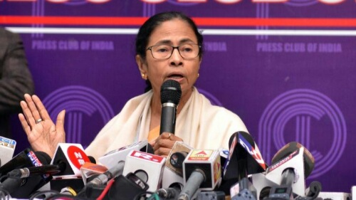 Mamata does U-turn, not to attend PM's oath-taking | Master Stroke