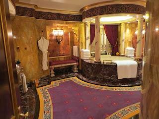 Tampil Hotel Mewah Burj Al Arab di Dubai - 4
