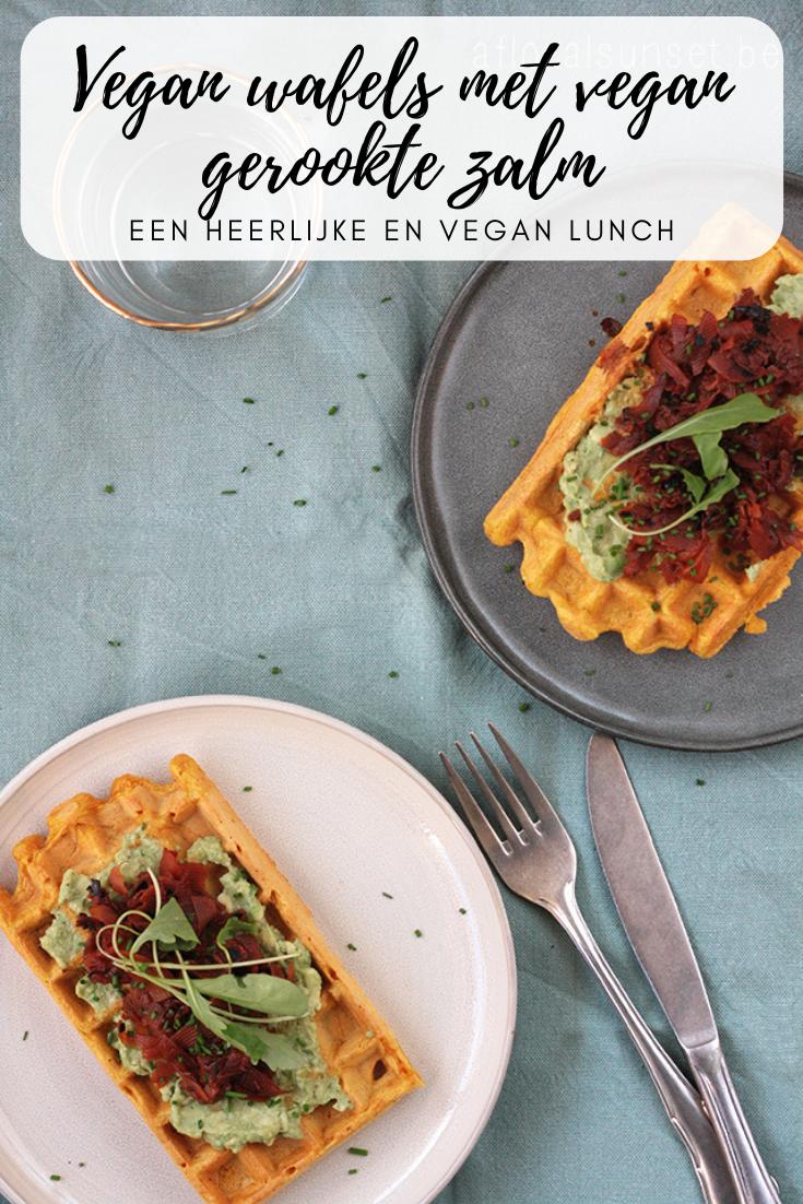 Een heerlijke vegan lunch: wafels met vegan gerookte zalm en guacamole - a floral sunset