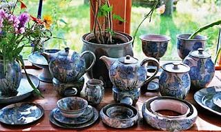 Kerajinan Keramik Desa Klampok, Banjarnegara sebagai contoh dari KERAJINAN KERAMIK NUSANTARA (10 CONTOH DAN KETERANGANNYA)