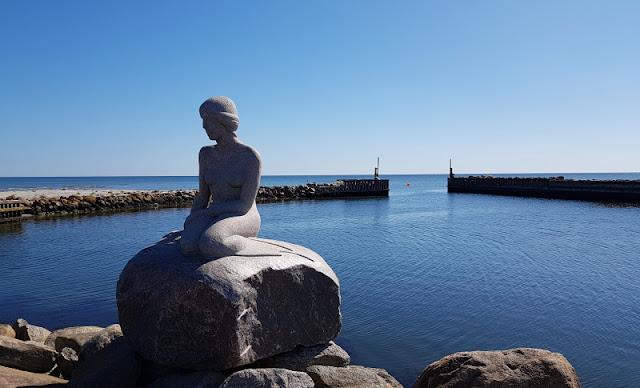 Julekalender: Unser dänischer Adventskalnder mit Türchen Nr. 21. Der besondere Ort zum Erraten liegt diesmal hoch im Norden, an Dänemarks Ostküste!
