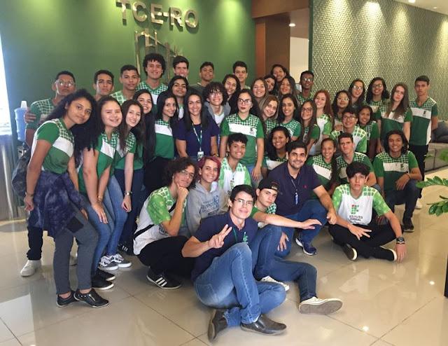 Estudantes fazem visita técnica ao Tribunal de Contas do Estado de Rondônia