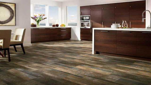 area dapur memakai lantai vinyl motif kayu
