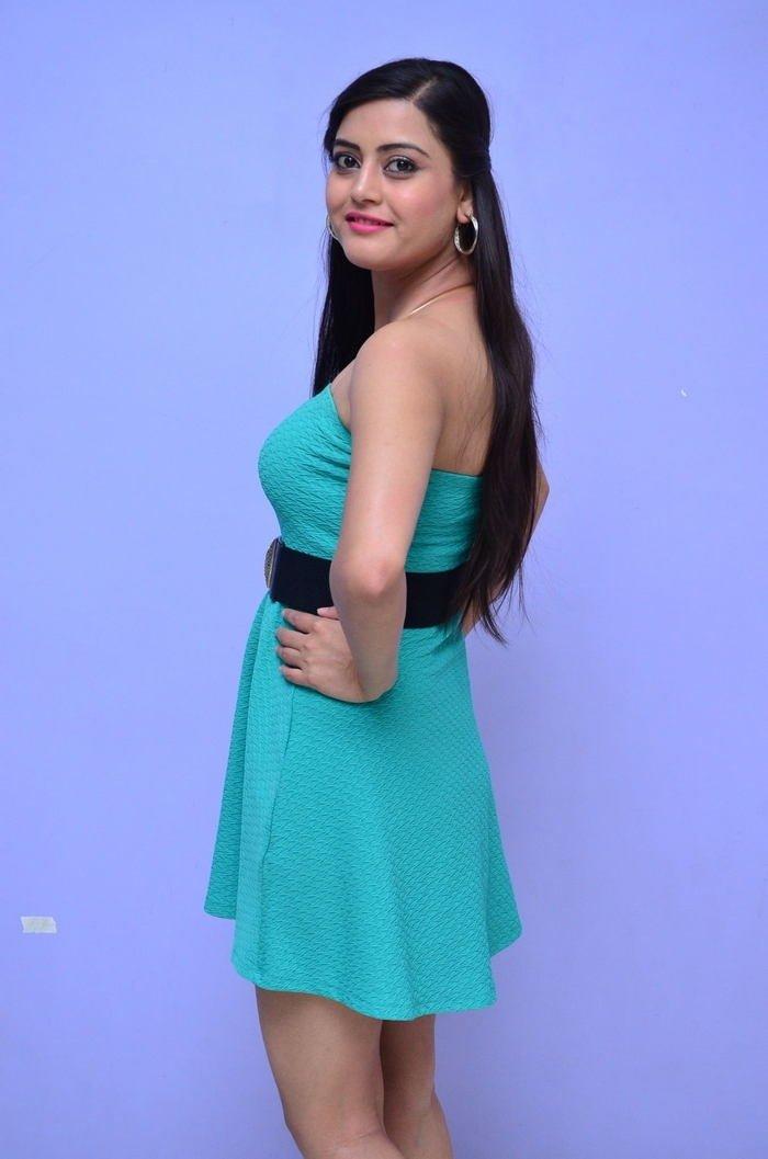 Actress Shipra Gaur Latest Sexy Images