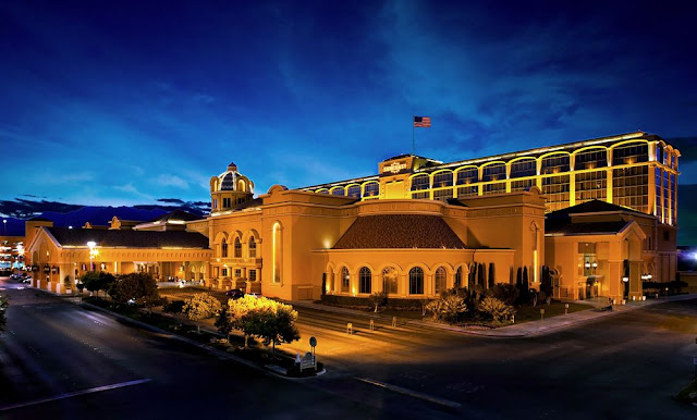 Suncoast Hotel & Casino is located in the premier northwest area of Las Vegas and is surrounded by world-class golf. The property offers exclusive restaurants, fun gaming, deluxe accommodations, bowling, movie theaters, bingo and much more.