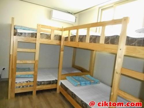 Katil 2 tingkat include tilam, comforter, selimut dan bantal