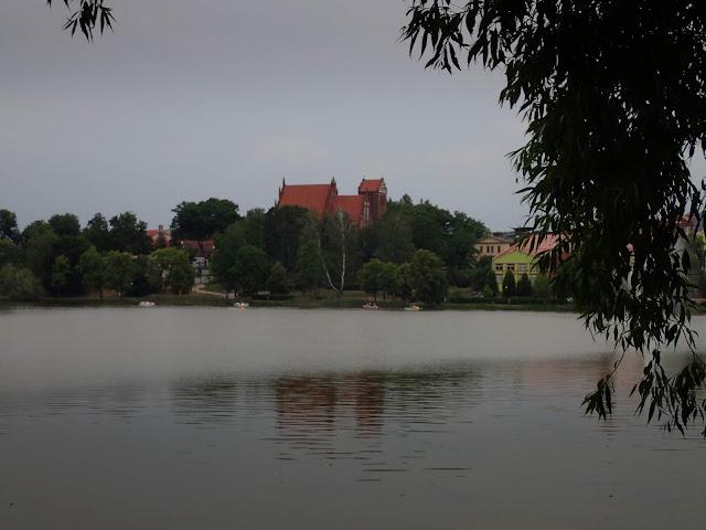 Jezioro Jeziorak i zamek w Iławie