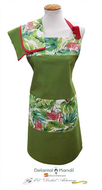 Delantales verdes con plantas y flamencos
