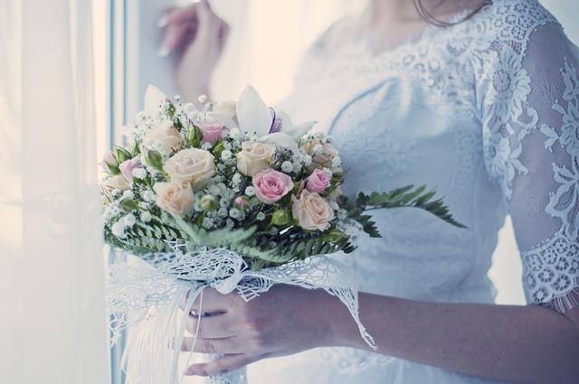 hoa cuoi de thuong