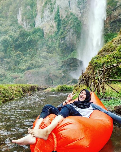Bisa digunakan Tubing di sepanjang sungai Curug Ngebul Cianjur