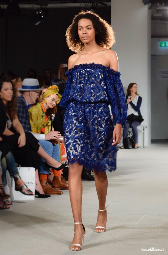 Blaues Kleid von Ewa Herzog, Kollektion / Spring Summer 2018, Runway Show