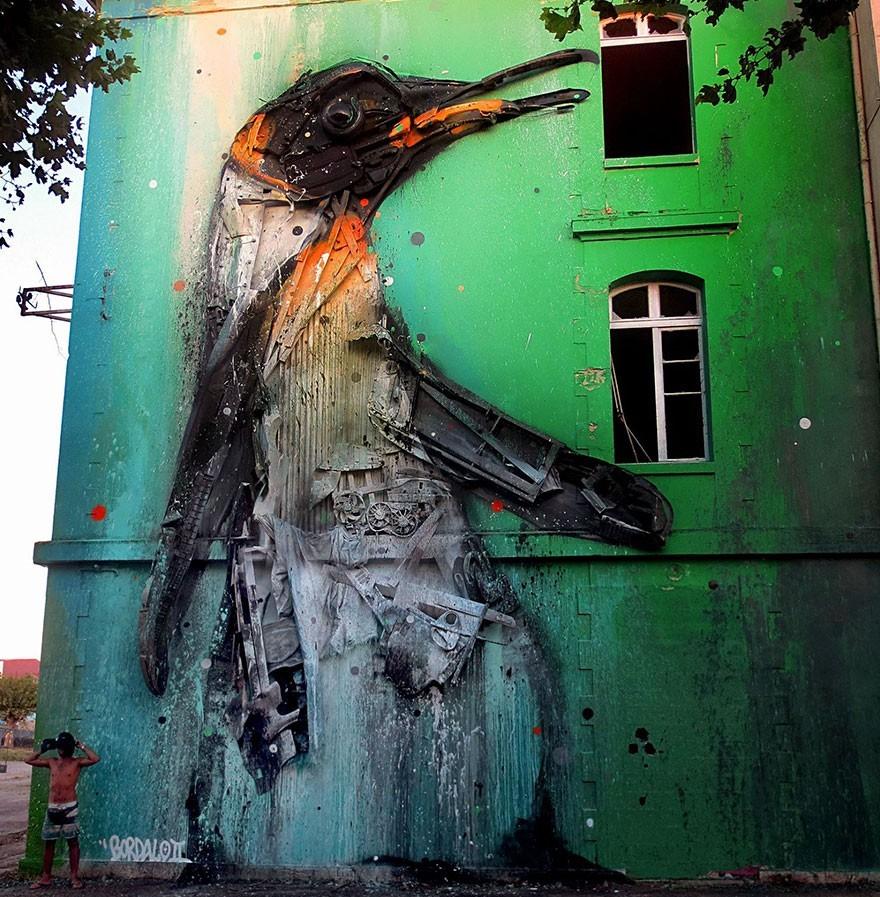 Penguin - Seni Lukisan Binatang Menakjubkan Dan Kreatif Dari Bahan Sampah