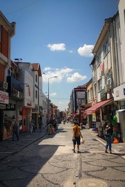 Prin centru, la cumparaturi; Edirne, Turcia