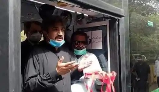 The first Electric bus in Pakistan hits the Karachi road