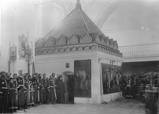 Το παρεκκλήσι που έχει χτιστεί στη θέση του κελλιού του Οσίου  Σεραφείμ του Σαρώφ μέσα στον Ιερό Ναό της Αγίας Τριάδος.
