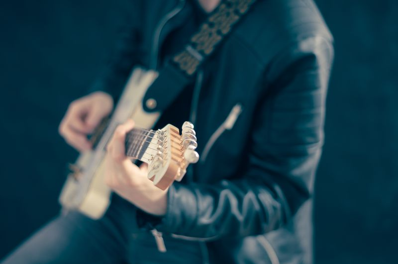 Tips Upgrade Gitar Murah Jadi Lebih Gahar