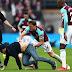 Fans iracundos del West Ham invaden el campo