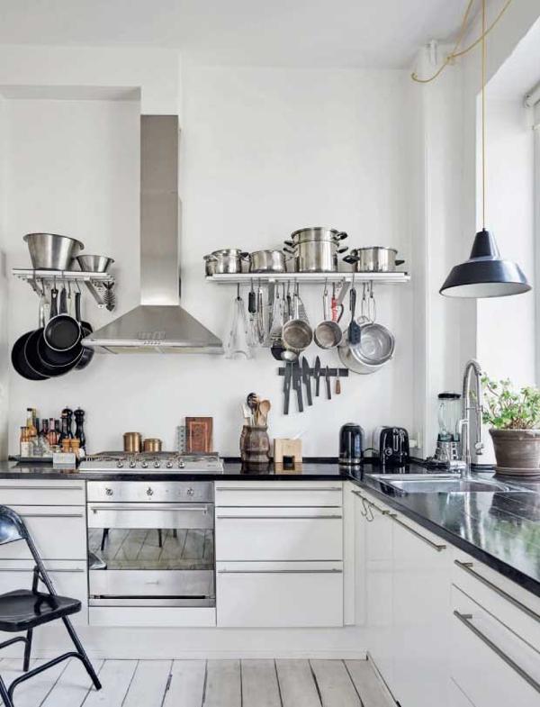 cocina nórdica con piezas de herencia de estilo bohemio chicanddeco