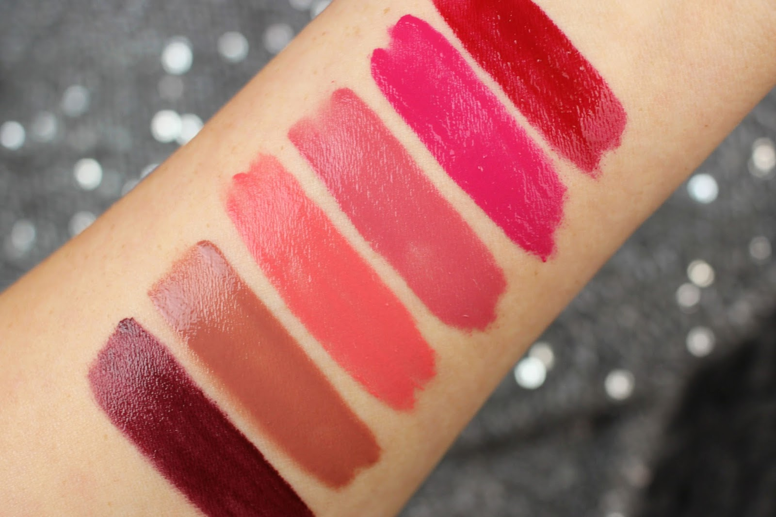 beauty blogger, cosmetics, deutschland, drogerie, farbtrends, lippenstift, liquid lipstick, mattes finish, review, revlon, rossmann, rote lippen, swatch party, swatches, tragebilder, Ultra HD Matte Lipcolor,