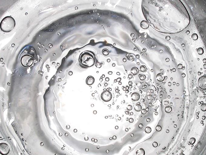 Optimalkan Manfaat Air Alkali dengan Konsumsi yang Seimbang