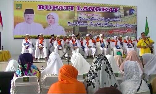 Jamaah Haji Kloter 6 Asal Langkat Berangkat Ke Asrama Haji Medan