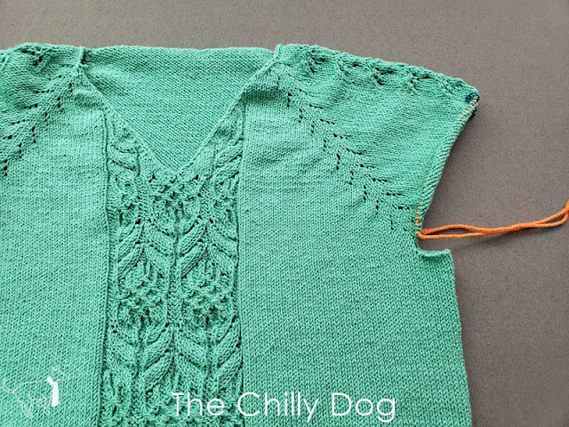 Knitting Tutorial: How to pick up the underarm stitches for gap-free, top down sweater sleeves