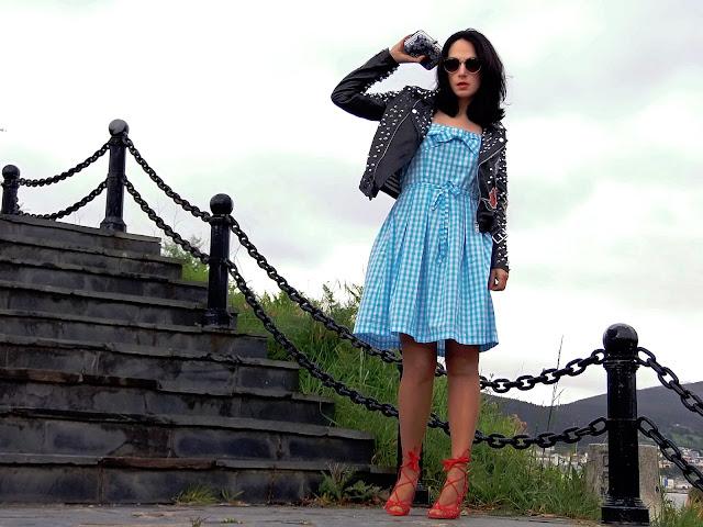 fashion, moda, look, outfit, blog, blogger, walking, penny, lane, streetstyle, style, estilo, trendy, rock, boho, chic, cool, casual, ropa, cloth, garment, inspiration, fashionblogger, art, photo, photograph, Avilés, galicia, viveiro, zara, vestido, dress, vintage, vichy, shoes, zapatos,