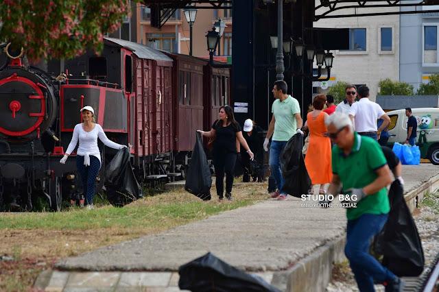 Περιβαλλοντική δράση καθαρισμού από τον ΔΟΠΠΑΤ στο λιμάνι του Ναυπλίου (βίντεο)