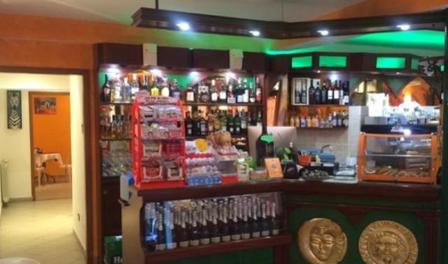 Ventimiglia, un bar rischia di chiudere per razzismo