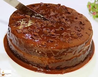 كيكة الشوكولاتة الاسفنجية والهشة ب 2 بيضة فقط