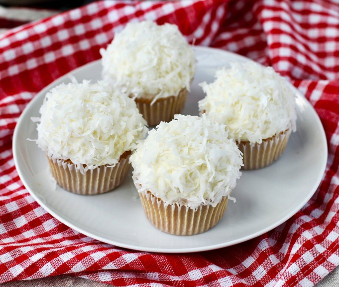 Snowball Cupcakes with coconut
