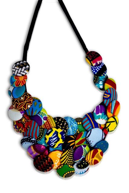 Mode, beauté, accessoires, bijoux, femme, ethnique, tendance, tissu, wax, collier, noire, boucle, d'oreille, bracelet, cuir, bois, LEUKSENEGAL, Dakar, Sénégal, Afrique