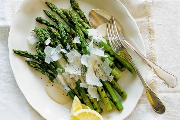 14 Manfaat Asparagus Bagi Kesehatan Dan Kecantikan (Tips)
