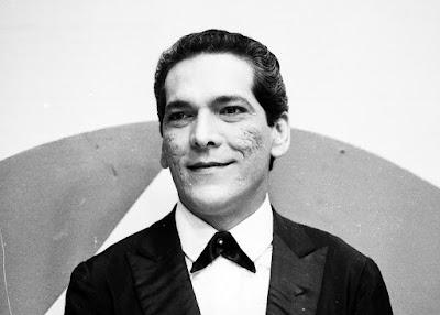 Lúcio Mauro em 'Balança Mas Não Cai', onde surgiu seu personagem Fernandinho (marido de Ofélia), em 1968 — Foto: Acervo TV Globo