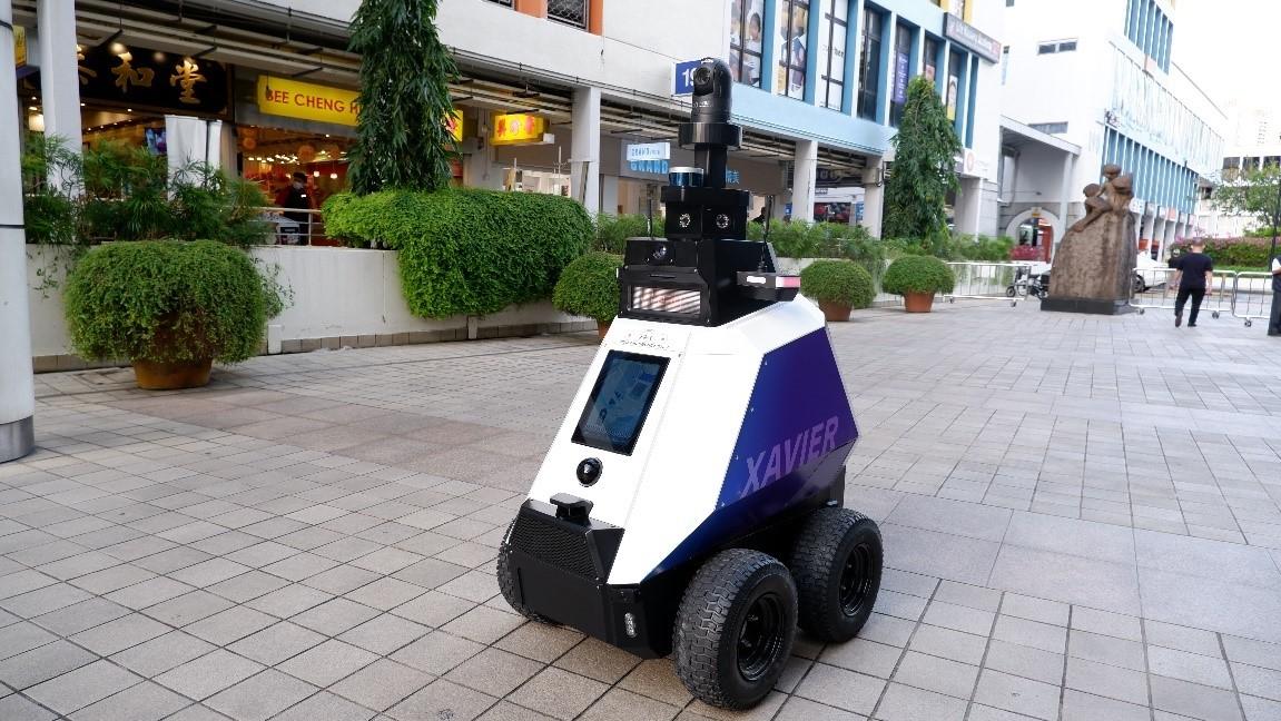 roboobt,روبوت,سنغافورة,Xavier