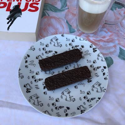 Barres de céréales au chocolat, quinoa et beurre de cacahuètes