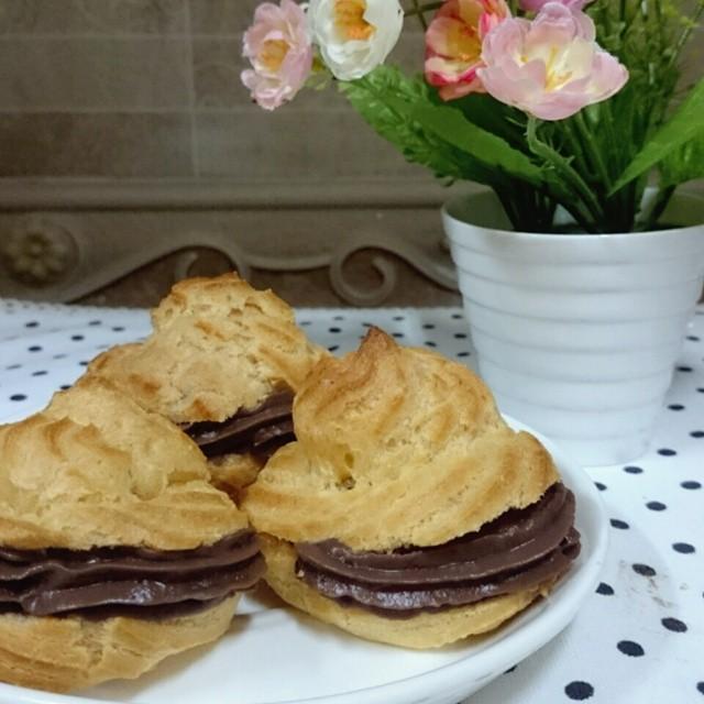 Resep Praktis Kue Sus Vla Coklat Spesial dan Menggiurkan