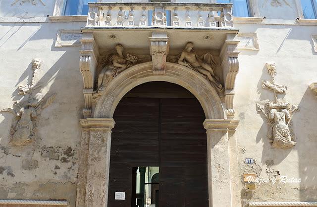 Palazzo Belvilaqua Costabili, Ferrara