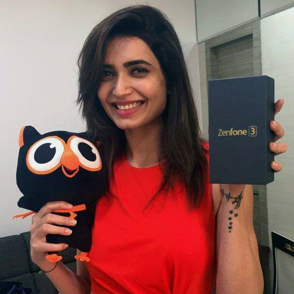 ASUS Zenfone 3 - The marvellous Karishma Tanna admires the crystal beauty in her brand new ASUS ZenFone 3 which is Built For Photography