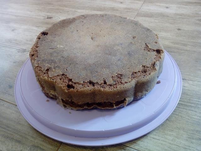 ciasto czekoladowo migdalowe ciasto gotowane ciasto czekoladowe ciasto kakaowe murzynek wilgotne ciasto ciasto z migdalami i rodzynkami szybkie ciasto ciasto z polewa ciasto z czekolada