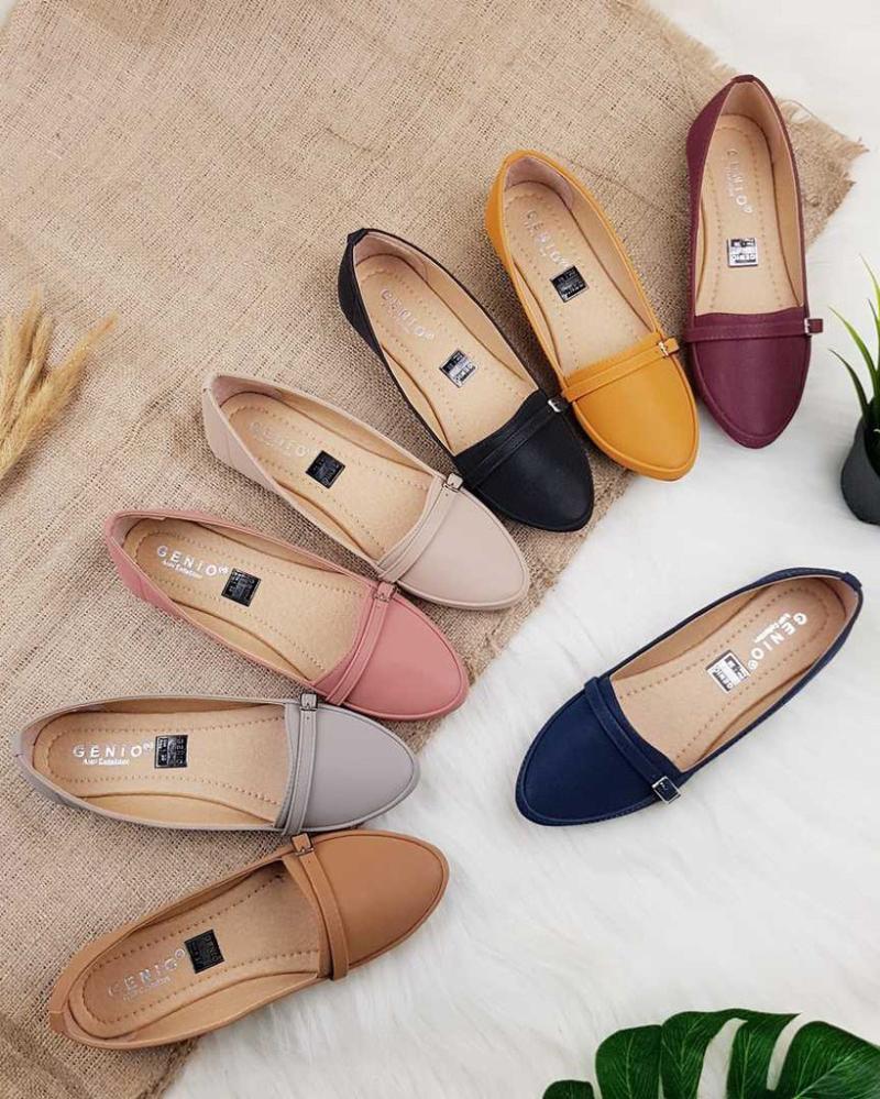 Flat Shoes fashion item cewek