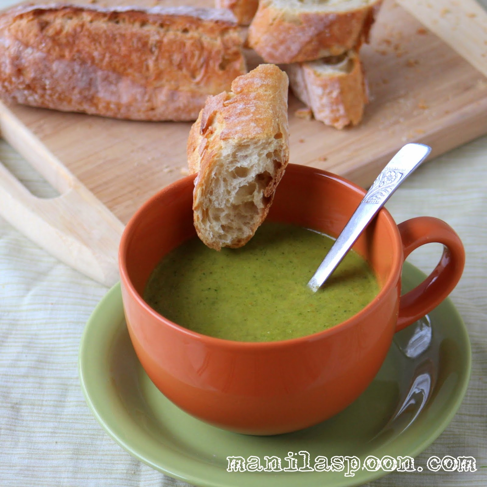 No milk or cream used here but this healthy Broccoli soup is thick and delicious!!! Gluten-free, fall and winter perfect, too!