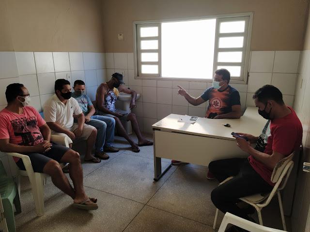 Representantes de equipes, arbitragem e coordenação de esportes definem últimos detalhes do Quadrangular de Futebol da cidade de Caraúbas