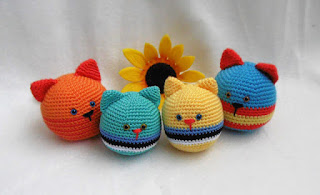How To Make An Amigurumi Ball : 2000 Free Amigurumi Patterns: Cat stress ball